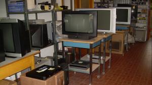Riparazione-TV-VCR-DVD-Televisori-Coser-Cesare